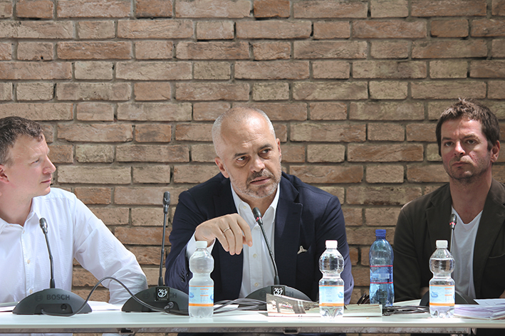 Anri Sala, Edi Rama, Freek Persyn, Hans Ulrich Obrist speak about ideas for the cities starting from the experience of Tirana